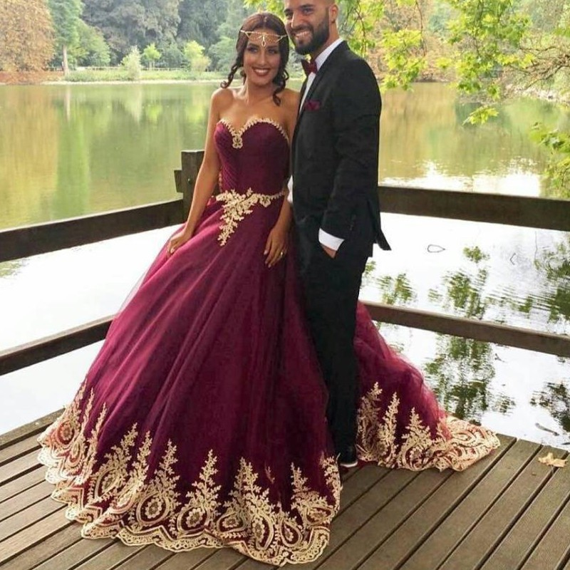 vestidos de novia 2017 new arrival arabic ball gown wedding dresses gold lace sexy sweetheart burgundy