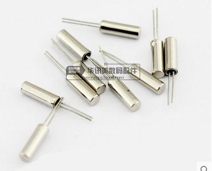 100PCS DIP passive crystal Cylindrical crystal 3*8 32.768KHZ 32.768K +5ppm new original