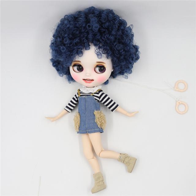 Alene - esmaklassiline kohandatud Blythe-nukk, naeratava näoga rõivastele