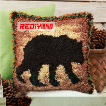 REDIY Latch Hook Cushion Kits For Embroidery Yarn Needlework Sofa  Decorative Pillow Cabin Fever Bear Pre Printed Canvas BZ783