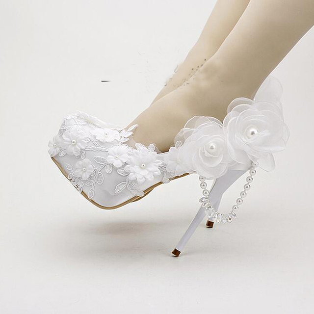 2018 White Spring Dress Shoes Satin Wedding Shoes Round Toe Tassel Crystal Bridal Shoes Popular Bridal Dress Shoes