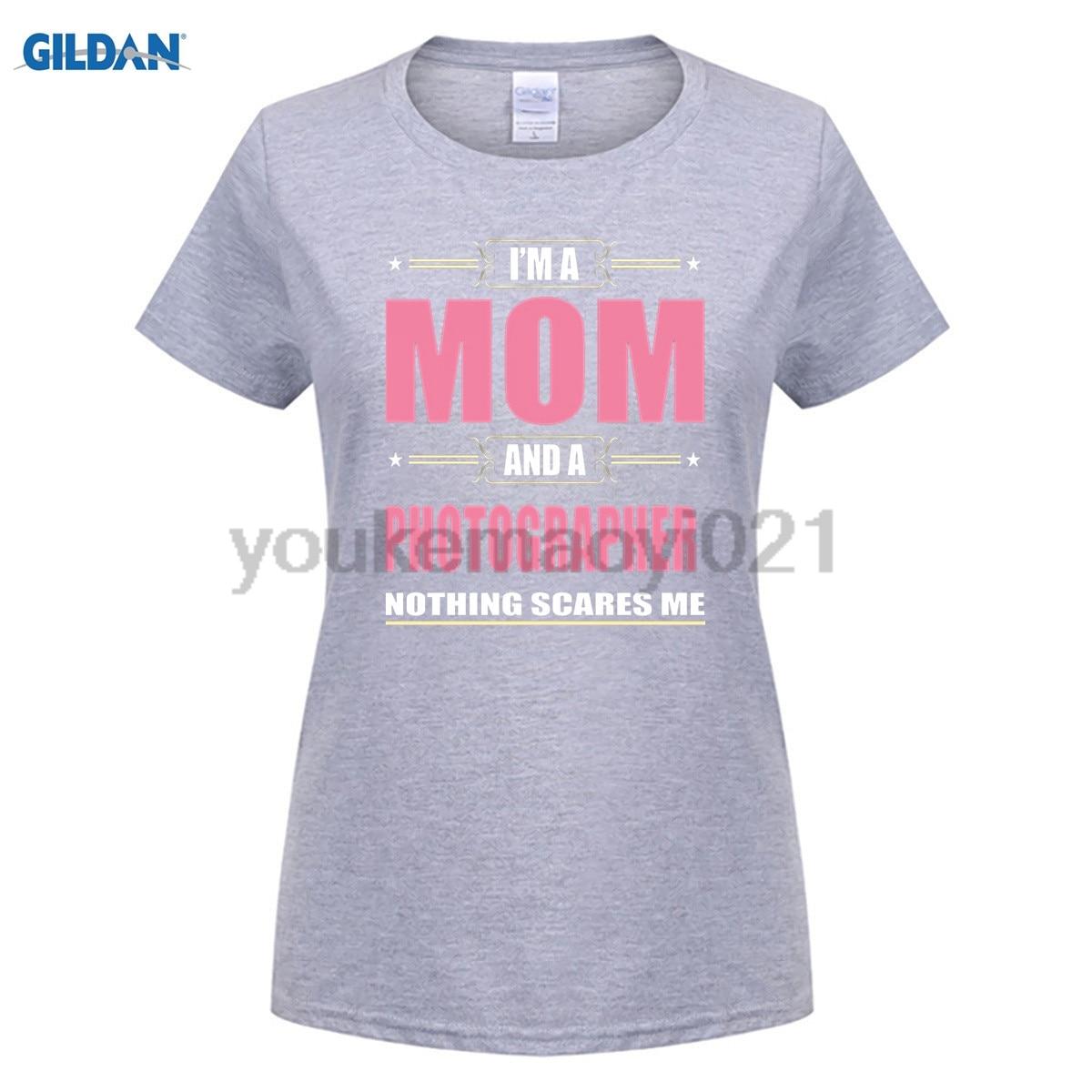 GILDAN Photographer MOM T shirt Christmas Gifts For Mom for women