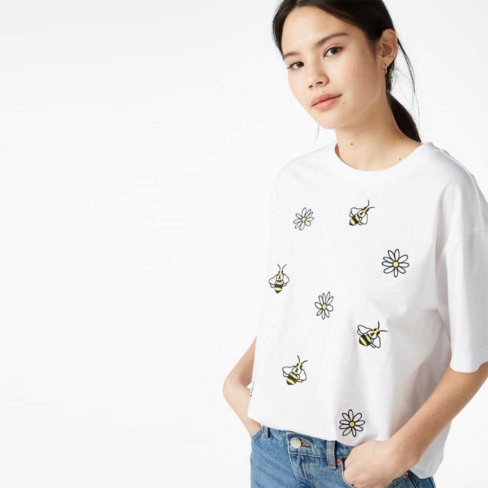 HDY Haoduoyi Femme Summer Stylish Casual Tops Girls Simple Embroidery Cartoon Bees Round Collar Pure White Befree T shirt in T Shirts from Women 39 s Clothing