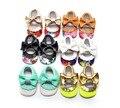 2016 de Cuero de LA PU Sólido Floral Mary Janes Arco Grande Bebé niña Princesa Mocasines Soft Moccs Zapatos Primeros Caminante Calzado 0-2 años