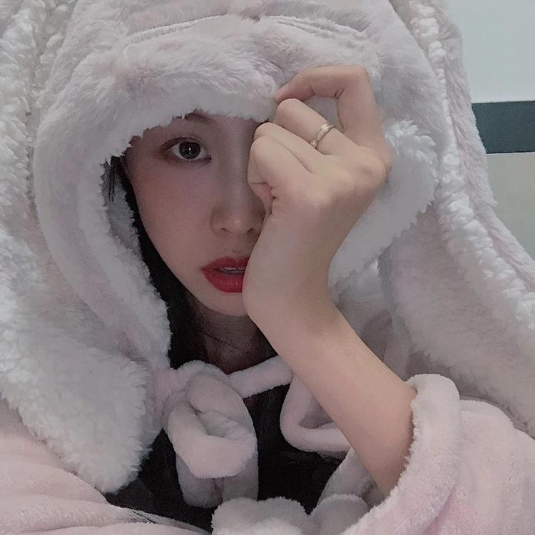 Cute Pink Comfy Blanket Sweatshirt Winter Warm Adults and Children Rabbit Ear Hooded Fleece Blanket Sleepwear Huge Bed Blankets 105