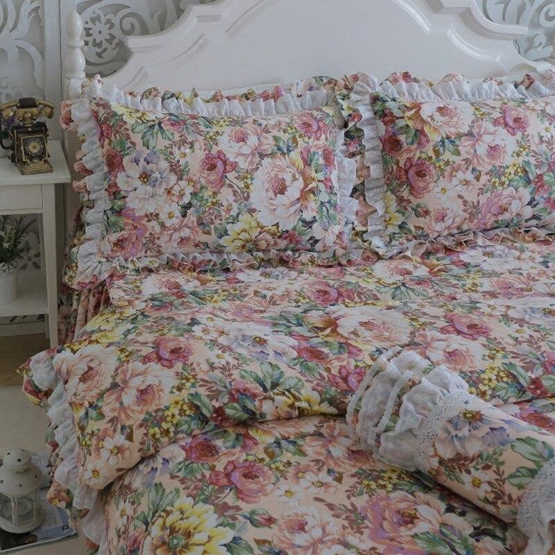 Livraison gratuite Européenne floral dentelle literie ruches brodé jupe de lit housse de couette taie d'oreiller twin-set complet reine roi taille