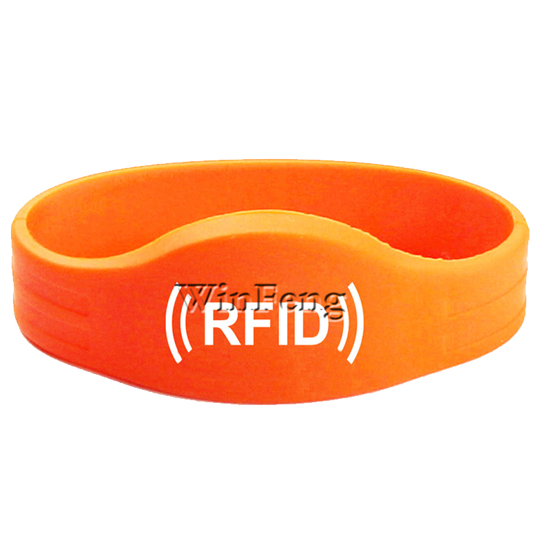 100PCS/LOT Long Distance HF 13.56MHZ NFC NTAG213 Chip Tracking Wristband Silicone RFID Bracelet цена