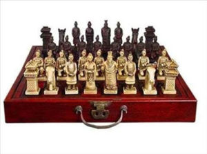 Image 2 - A Set of Exquisite Chinese 32 pieces Terra Cotta Warriors Statue Chess with Antique Dragon Phoenix Box