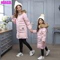 2016 nuevas niñas pato chaquetas Familia equipada madre y ropa de la muchacha niños prendas de vestir exteriores parka abrigo con capucha cuello de piel grande