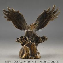 CHINESE BRASS SUPERB HANDWORK OLD HAMMERED LUCKY STATUE EAGLE COLLECTABLE DECOR