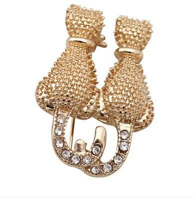 Animal Cat Gatos Brooch Pins Korean Designer Brand Luxury Fashion Jewelry Wholesale Men Blazer