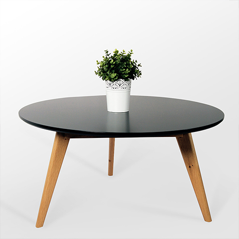Good wood coffee table Scandinavian minimalist small apartment