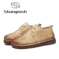 Shangmsh手作り女性フラットシューズ固体ラウンドつま先革カジュアルシューズ手の縫製女