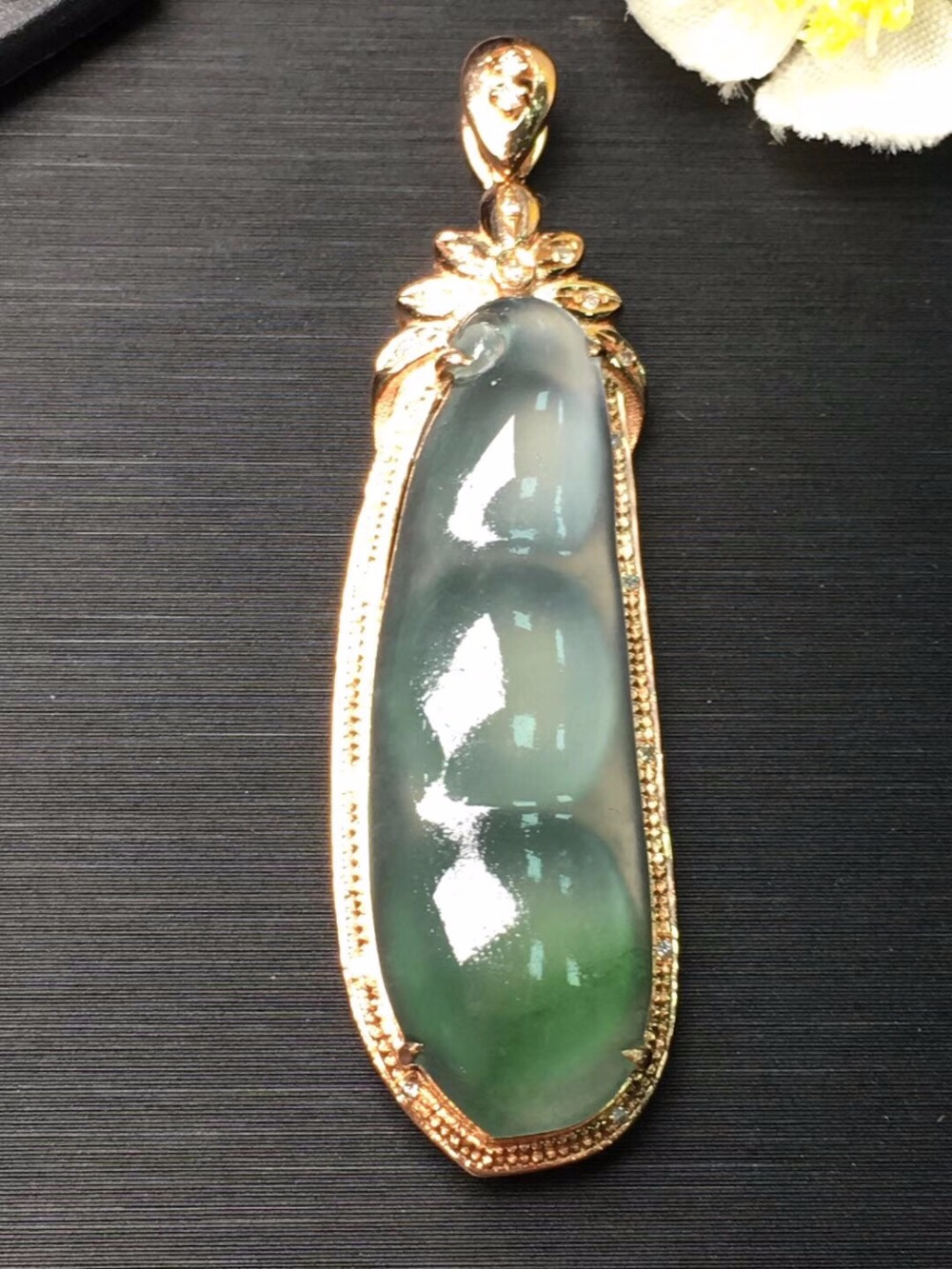 Fine Jewelry Real 18K White Gold Natural Green Lucky Beans Carving Jade Jadite Female Pendant Necklace for Women Fine Pendants