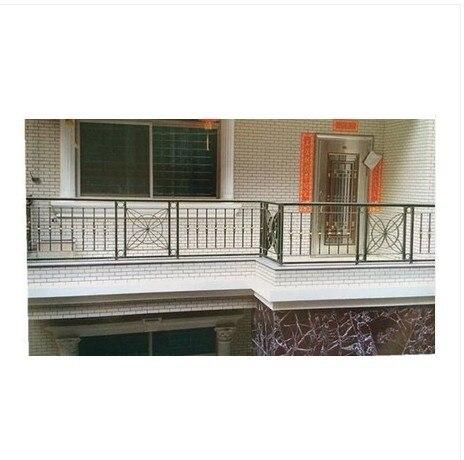 Nuevo balc n de hierro forjado barandillas barandillas for Barandilla escalera exterior