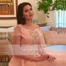 Eine Linie Rosa Lange Arabeske Abendkleid Boot-ausschnitt Satin Real Sample Off the Shoulder Abendkleider Perlen Abendkleid