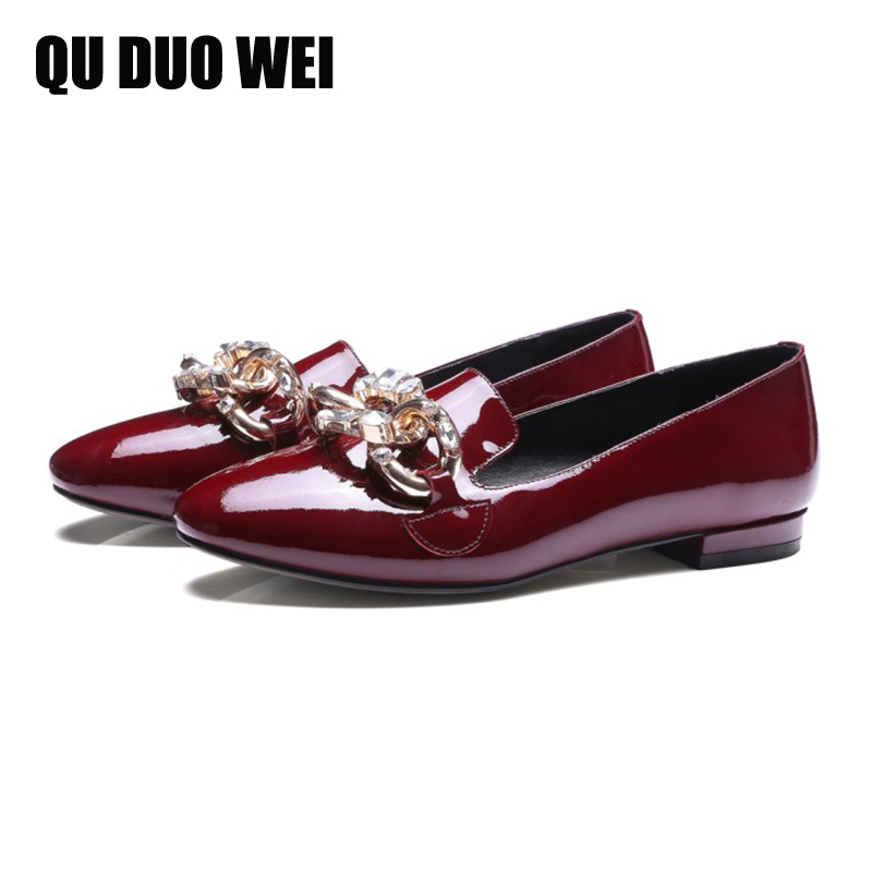 2018 New Design Genuine Leather Women Flats Shoes Pointed Toe Patent Leather Women Loafers Fashion Crystal Chain Ladies Flats