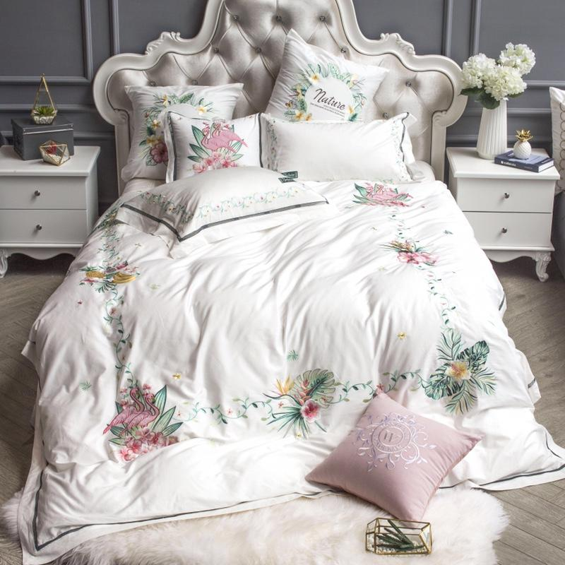 2018 New 4/6/7Pcs Luxury Egypt Cotton Tropic Affair Bedding Set Embroidery Duvet cover set Bed Sheet Pillowcases Queen King size2018 New 4/6/7Pcs Luxury Egypt Cotton Tropic Affair Bedding Set Embroidery Duvet cover set Bed Sheet Pillowcases Queen King size