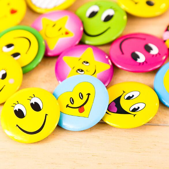 Arts,crafts & Sewing 100% Quality 10 Pcs Smiling Face Badge 3cm Girl With Big Eyes And Chest Seal Childrens Badge Yellow Smiley Face Badge Goods Of Every Description Are Available
