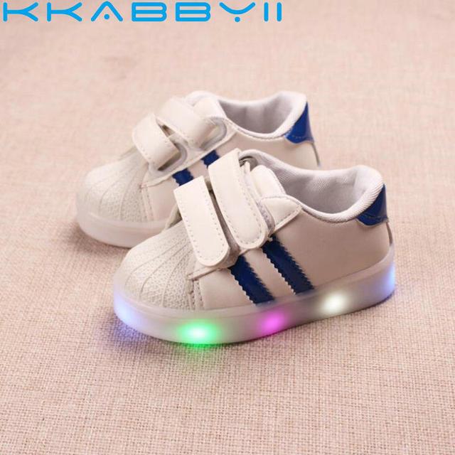 356574a46 Zapatos para niños con luz nueva marca niños luminoso rayado deporte  Zapatillas brillantes bebés niños niñas