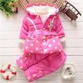 2015 Детей комплектов одежды девушки теплое пальто зимы младенца кролика куртку детей хлопка мягкой одежды дети рождество верхняя одежда