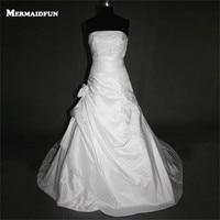 2017 Mermaid Strapless Satin Lace Beaded Lace Up Back Flower New Wedding Dresses White Ivory Bridal