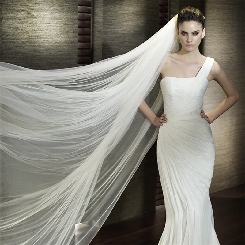 2017 New 3M Bridal Veils with Cut Edge One-layer Soft Tulle White/Ivory Wedding Accessories With Comb Stock Long Wedding Veil