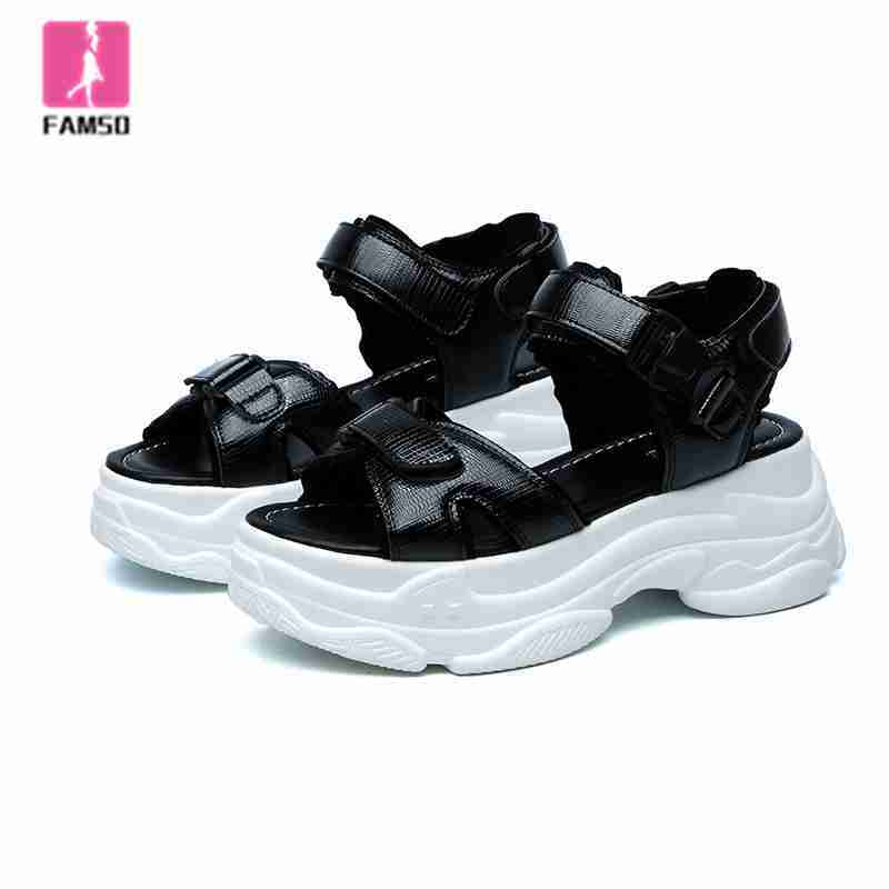 FAMSO 2019 Chaussures Pour sandales femmes Noir Argent Talons Plates-Formes Cheville Sangle sandales de sport D'été fille décontracté Sandales de Marche