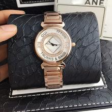 2016 famosa marca de diseño de lujo de Oro reloj resistente al agua Mujeres Visten el Reloj de Pulsera Relojes con Correa De Aleación Fina caja de regalo