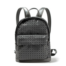 Новый мешок плеча женщин лазерная геометрические Lingge колледжа ветер рюкзак для отдыха и путешествий