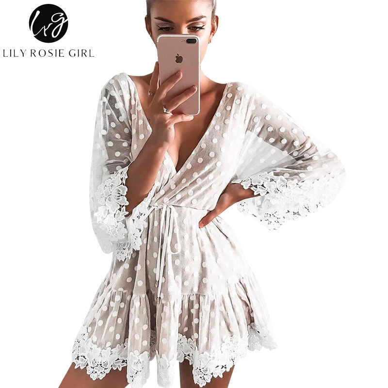 Lily Rosie Mädchen Weiß Spitze Dot Frauen Mini Kleider 2018 Sommer Sexy V-ausschnitt Party Strand Mesh Kleid Backless Flare hülse Vestidos