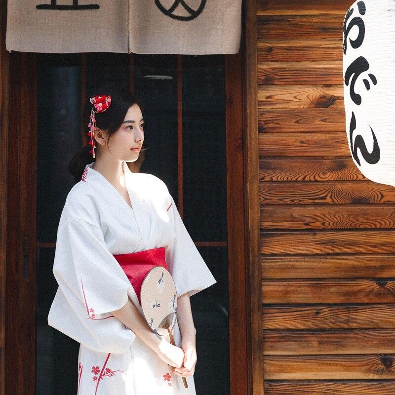 Vintage Improved Geisha Elegant White Formal Kimono Long Robe Cosplay Costumes Japanese Style Yukata COS Uniform Stage Clothing