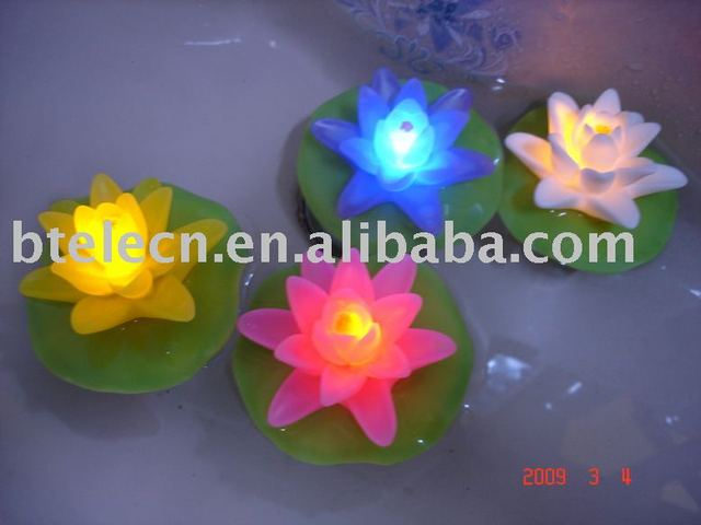 flashing led colorful float lotus for children pool toy Novelty Decoration Night Light