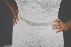 TOPQUEEN S216 المرأة الراين اليدوية حزام حزام ملابس الزفاف اكسسوارات الزواج الزفاف الزنانير يمكن تخصيص أي حجم
