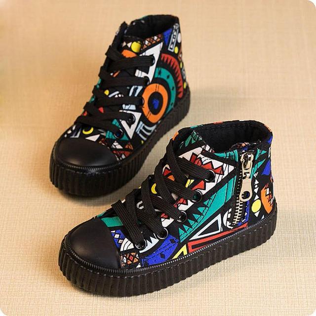 Novas Crianças Primavera Sapatos Meninas Sapatos Da Moda Sapatos de Graffiti sapatas de Lona Ocasionais sapatos Lace Up Side Zipper Meninos Sapatos De Alta Top Crianças Sneakers