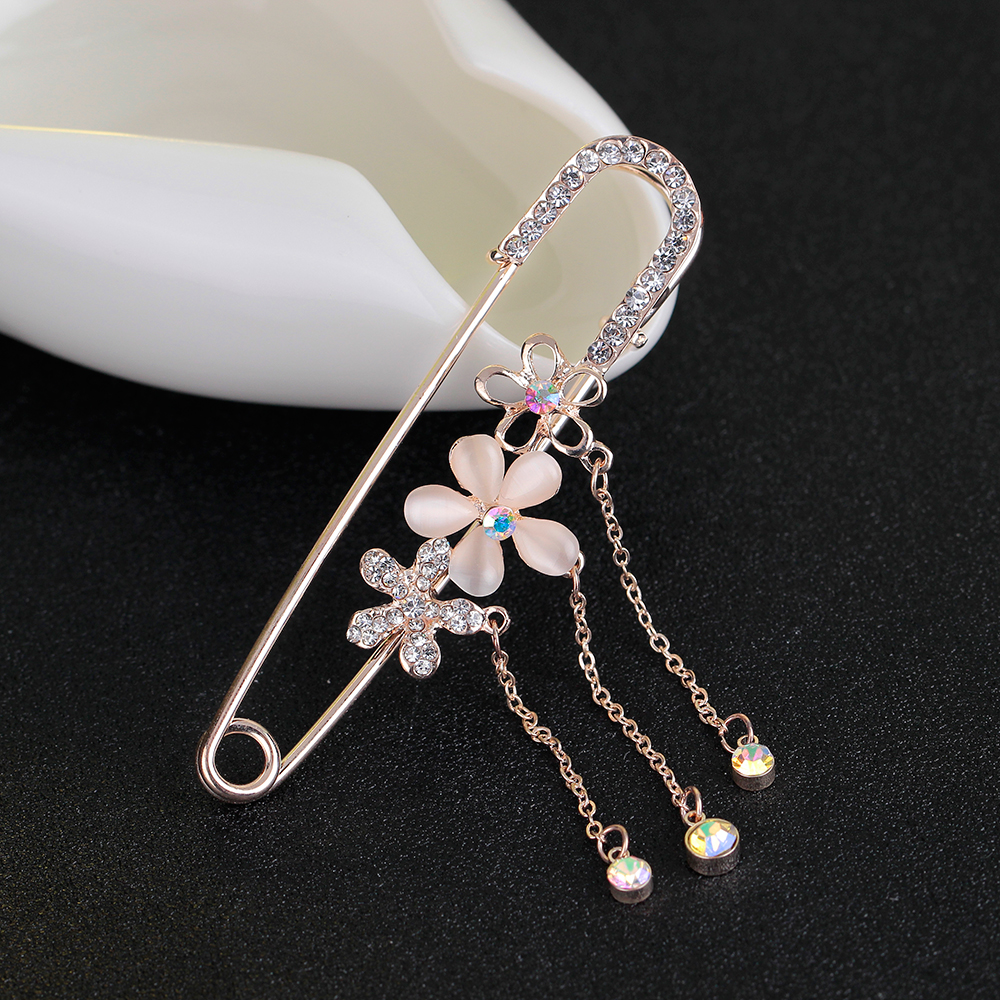 Latest Safety Pins Brooch Gold Fashion Jewelry And Brooches For Women Rhinestone Shawls Sweater