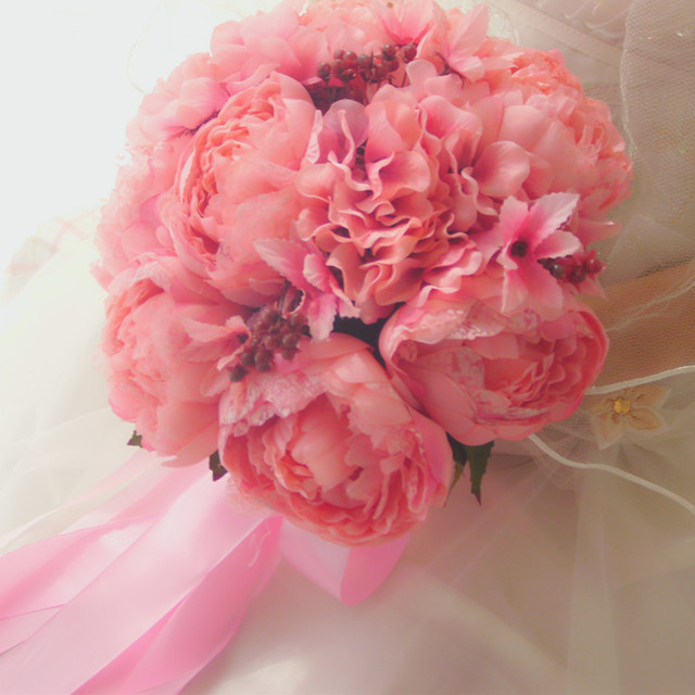 French high-end custom bride holding flower peony pink artificial flowers marriage wedding bouquet Bride holding flowers