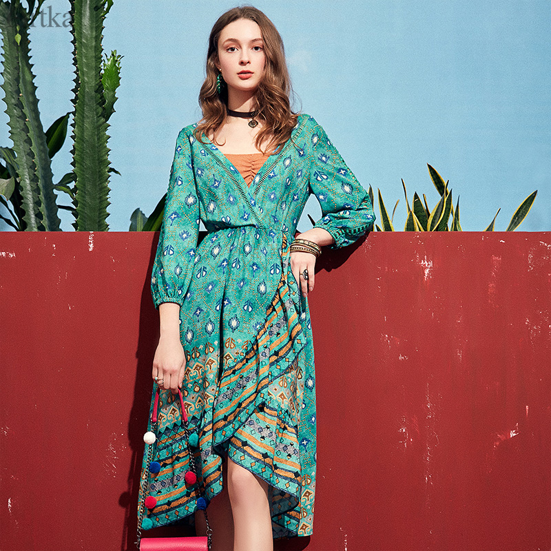 ARTKA 2019 Spring Summer Featured Women Dress Elegant Bohemia Fashion Dress Parrot Green V Neck Design