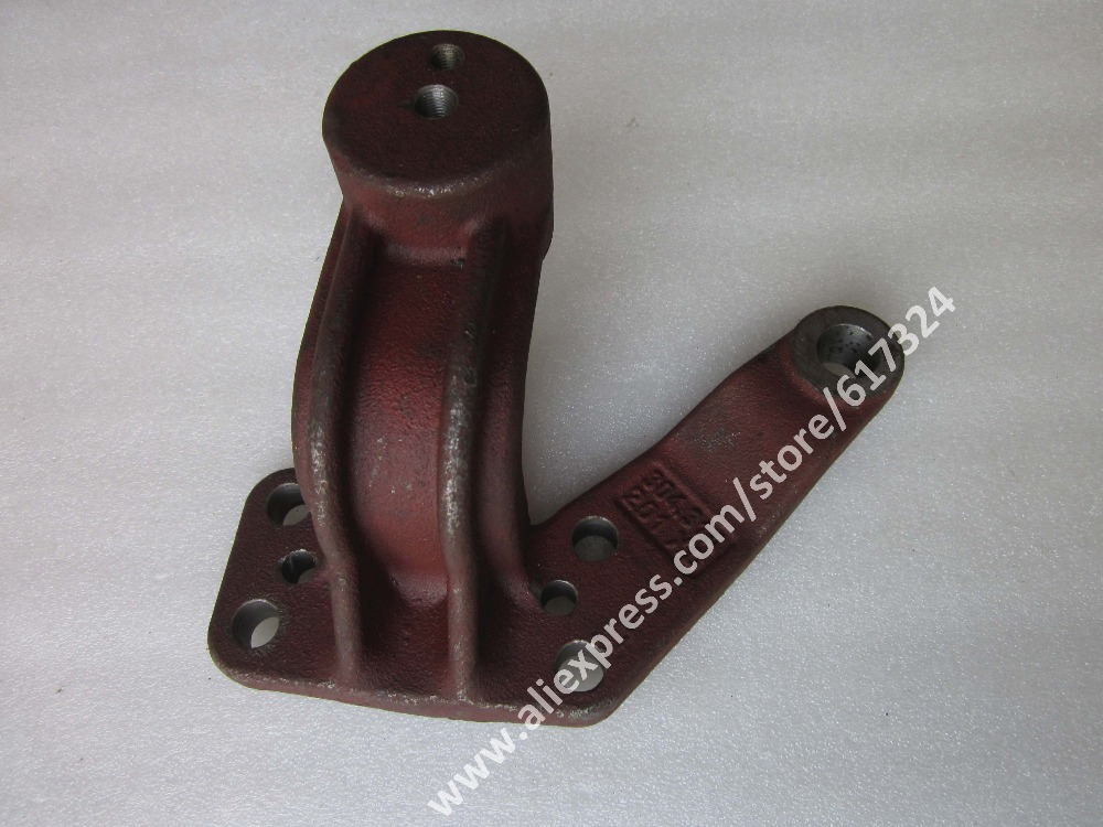 Dongfeng DF304 DF354 tractor parts, the steering arm with bush for steering knunckle, part number: 304.31A.201, 304.31.202-1