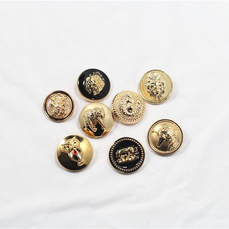 ⊹30 piezas Oro Negro oro León doble botón broche fábrica modelos ...