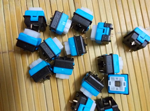 10pcs free shipping Mechanical keyboard, logitech G910 Orion Spark switch  om-ron Ro-mer-G mechanical axis