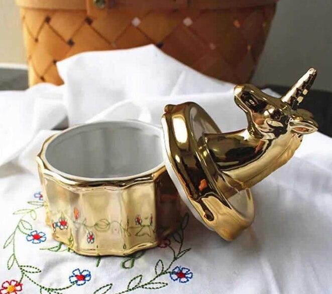 Nordic Стиль Керамика Единорог шкатулка для украшений золото ювелирное изделие, персональный мелкие предметы ювелирные изделия банку декоративные керамические украшения Q321