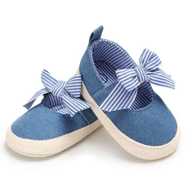 Wonbo маленьких Обувь для девочек принцесса Обувь Младенческая малышей кроватки Bebe дети Обувь для малышей Мэри Джейн в полоску большой бант мягкой подошве Anti-платье-комбинация
