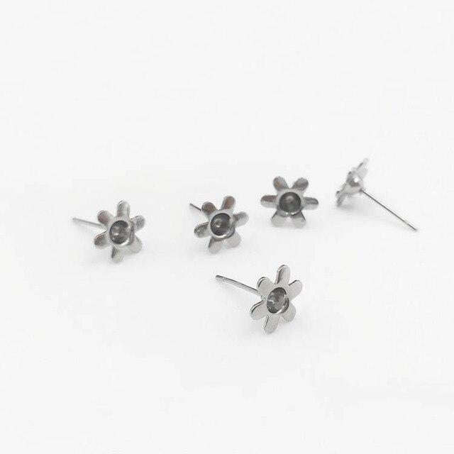 Blank Stainless Steel Stud Earrings Bases 8mm Sun Flower Bezel for 3mm Point  Back Rhinestone Settings Earrings post DIY Findings fe68b5cdede9