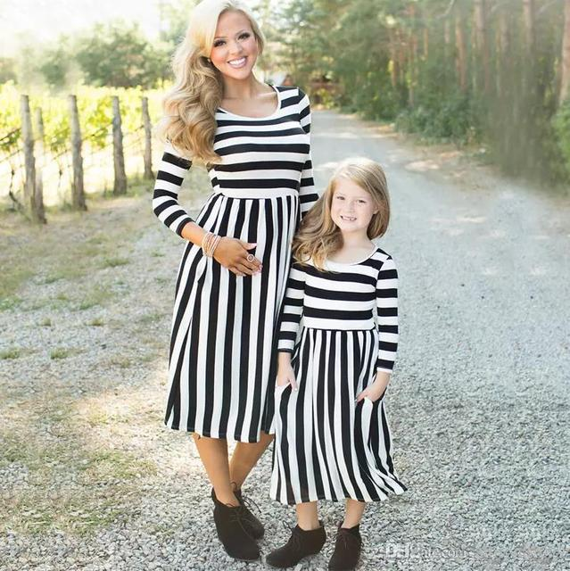 f96112eb8 Mom and kids couple look stripe family matching outfits Baby Girls clothes  dress mother daughter Children dress clothing