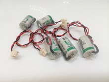 20pcs/lot New Original SAFT LS 14250 LS14250 1/2 AA 1/2AA 3.6V 1250mAh PLC Lithium Battery With Plug Free Shipping 100% new and original xgq tr4a ls plc controller