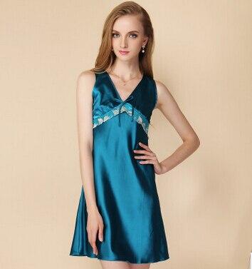 b820a52cfb6 Высокое качество Женщины Вернуться Вышивка пижамы женские шелковые  Кружевные слипы Большие Размеры L-XXXL