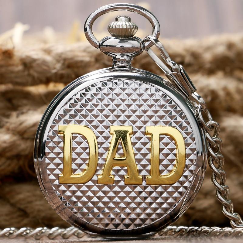 Luxo de Prata Quartzo Relógio de Bolso DAD Design Pattern Casual Números  Romanos Dial Relogio De Bolso Fob Relógios Para Homens Presente ccb301d7258