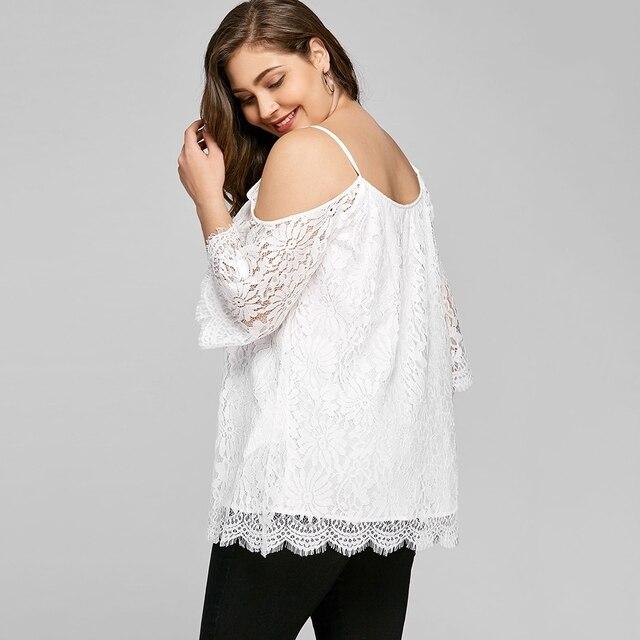 6b45b0829 Mujeres más tamaño 5XL frío hombro encaje camisetas 2018 verano blanco  camiseta para Mujer correa de