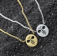 Cute Bees Choker Necklace Best Friends Gifts Honey Bee Gold Silver Color Round Pendant Collares Collier Necklaces Ras De Cou